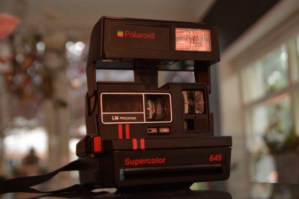กล้องโพลารอยด์มือสอง ยังคงเป็นที่นิยมเฉพาะกลุ่ม